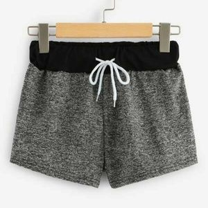Elastic Waist Colorblock Shorts no drawstring